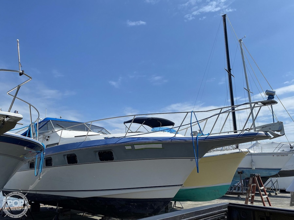 1986 Cruisers Yachts boat for sale, model of the boat is 337 Esprit & Image # 23 of 40