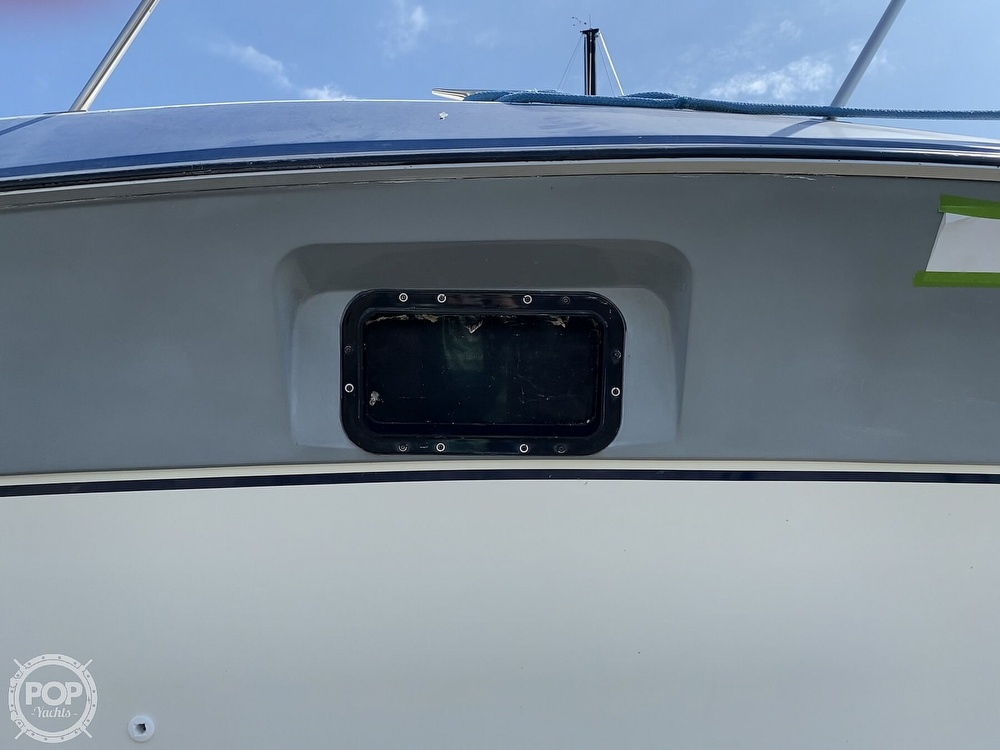 1986 Cruisers Yachts boat for sale, model of the boat is 337 Esprit & Image # 28 of 40