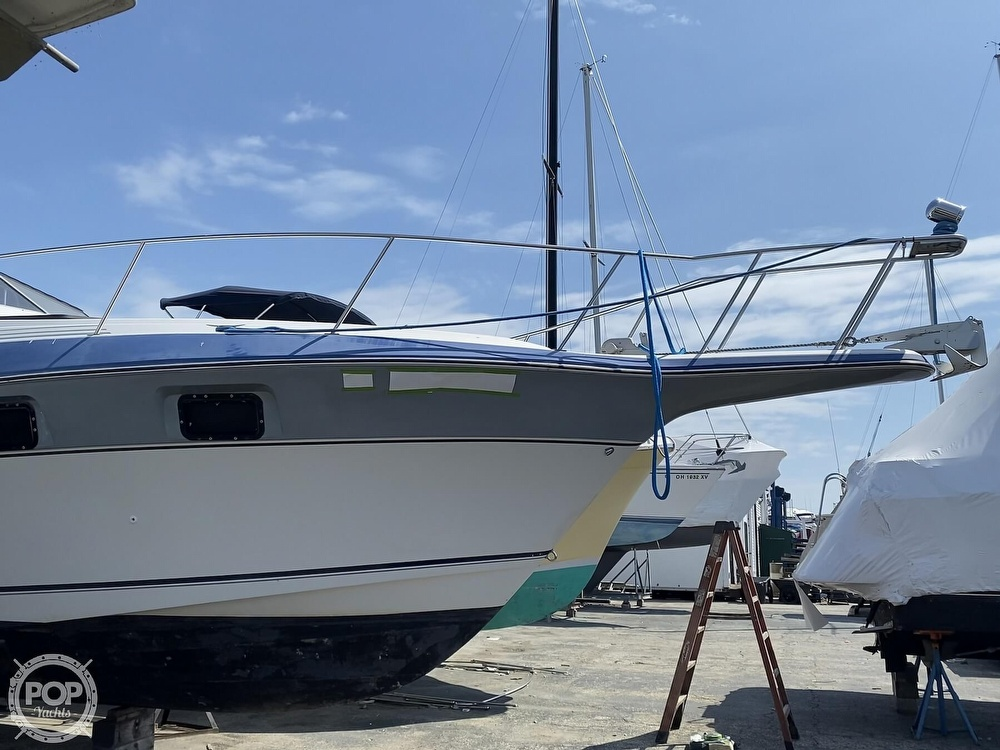 1986 Cruisers Yachts boat for sale, model of the boat is 337 Esprit & Image # 29 of 40