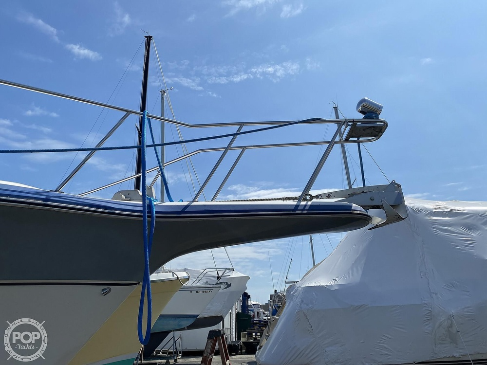 1986 Cruisers Yachts boat for sale, model of the boat is 337 Esprit & Image # 30 of 40