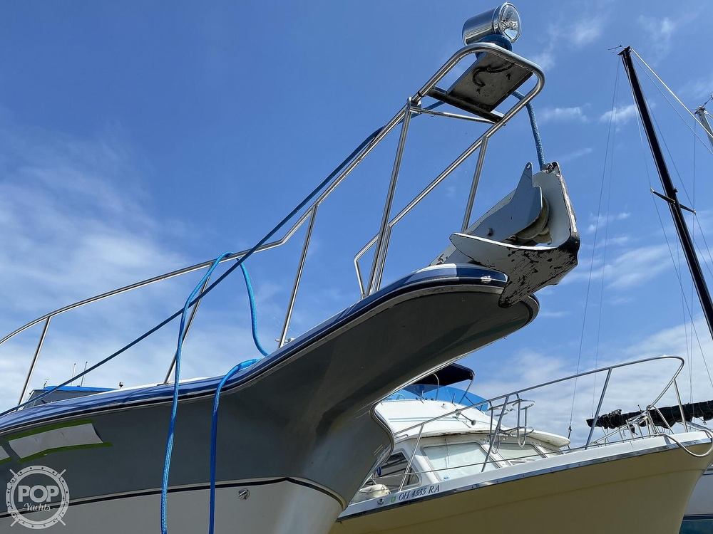 1986 Cruisers Yachts boat for sale, model of the boat is 337 Esprit & Image # 31 of 40