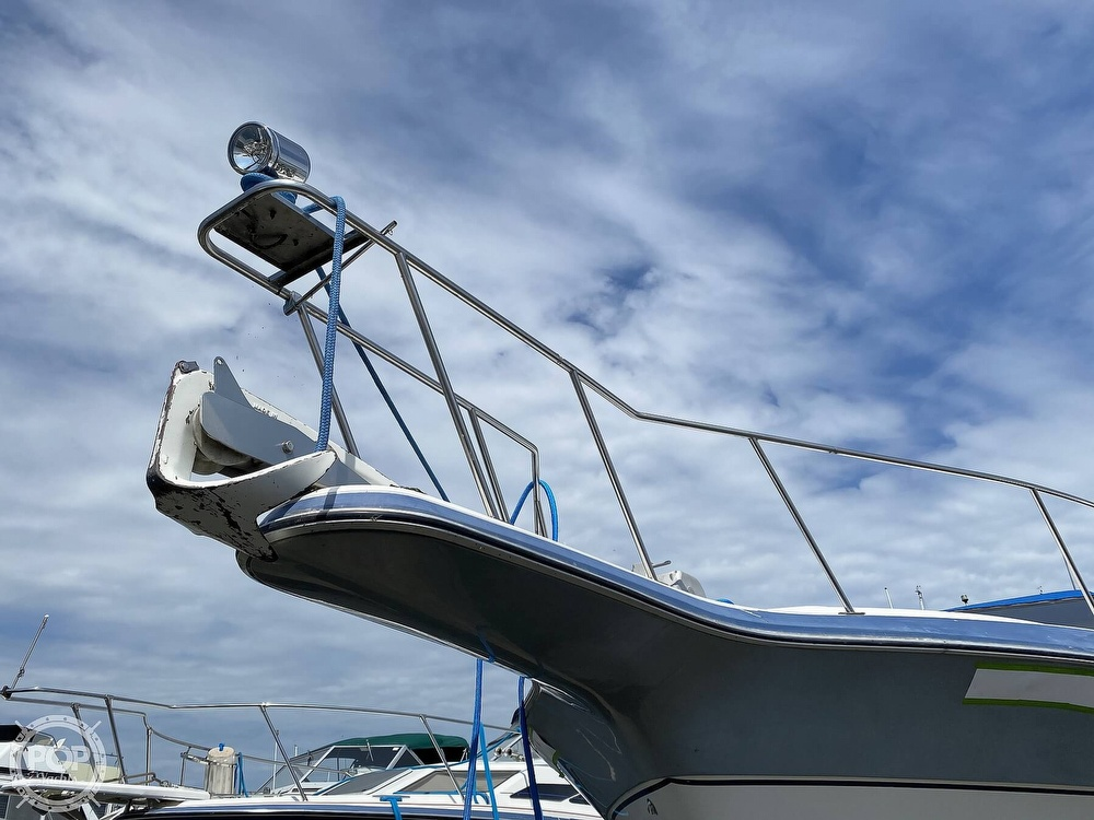 1986 Cruisers Yachts boat for sale, model of the boat is 337 Esprit & Image # 33 of 40