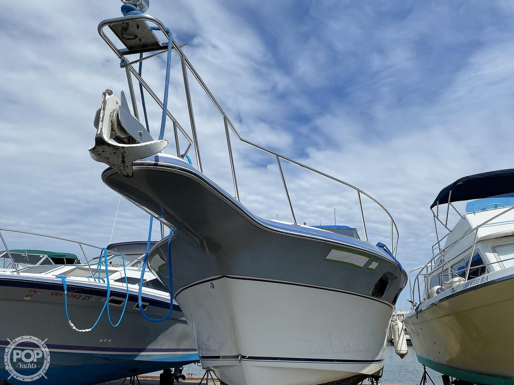 1986 Cruisers Yachts boat for sale, model of the boat is 337 Esprit & Image # 34 of 40