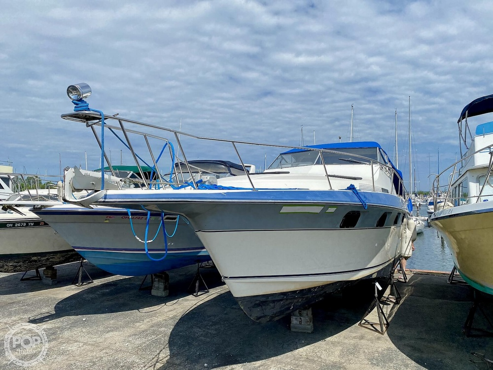 1986 Cruisers Yachts boat for sale, model of the boat is 337 Esprit & Image # 37 of 40