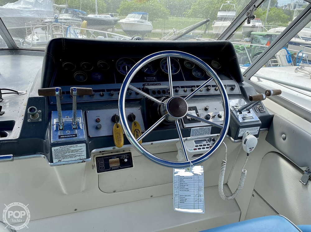 1986 Cruisers Yachts boat for sale, model of the boat is 337 Esprit & Image # 8 of 40