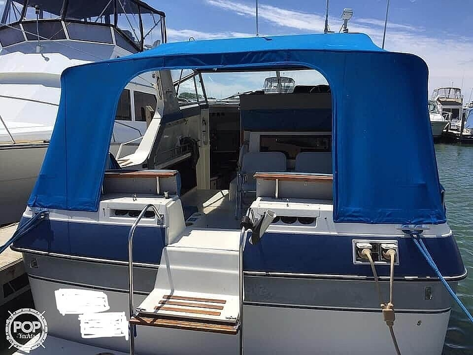 1986 Cruisers Yachts boat for sale, model of the boat is 337 Esprit & Image # 3 of 40