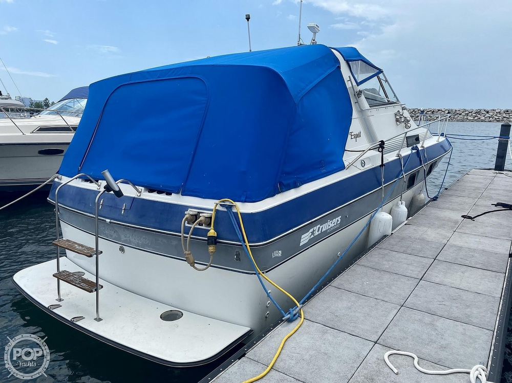 1986 Cruisers Yachts boat for sale, model of the boat is 337 Esprit & Image # 16 of 40