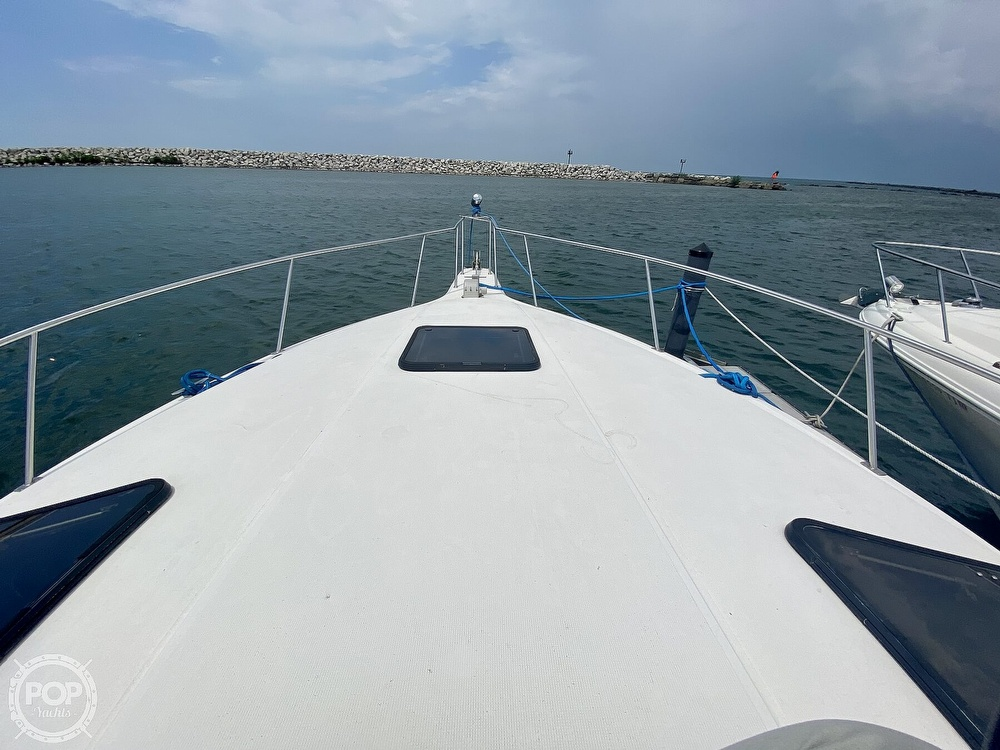 1986 Cruisers Yachts boat for sale, model of the boat is 337 Esprit & Image # 20 of 40