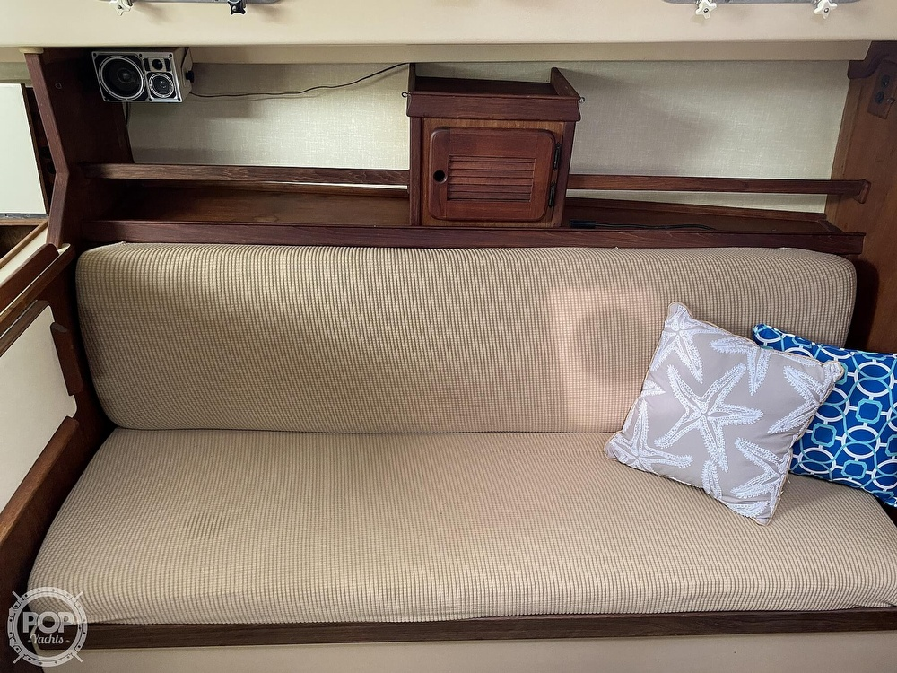 1986 Island Packet boat for sale, model of the boat is IP31 Center Board & Image # 7 of 40