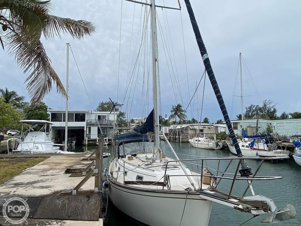 1986 Island Packet boat for sale, model of the boat is IP31 Center Board & Image # 21 of 40