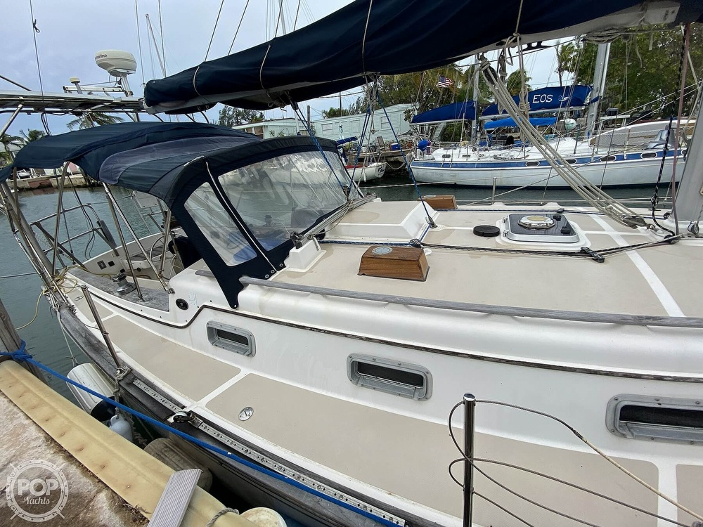 1986 Island Packet boat for sale, model of the boat is IP31 Center Board & Image # 30 of 40