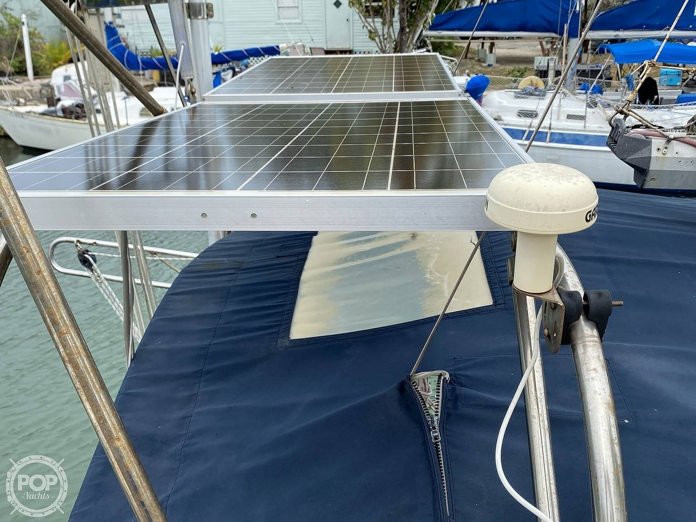 1986 Island Packet boat for sale, model of the boat is IP31 Center Board & Image # 31 of 40