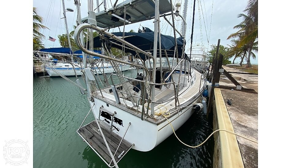 1986 Island Packet boat for sale, model of the boat is IP31 Center Board & Image # 4 of 40