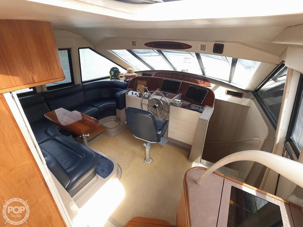1998 Bayliner 5788 Pilot-House Motoryacht - image 14