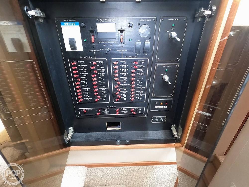 1998 Bayliner 5788 Pilot-House Motoryacht - image 16