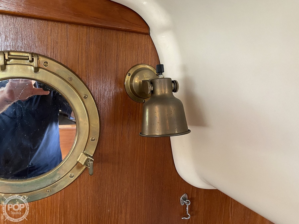 1988 Bayfield Yachts boat for sale, model of the boat is 29 & Image # 35 of 40