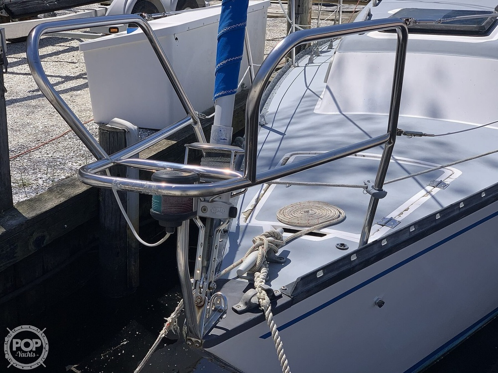 1982 Hunter boat for sale, model of the boat is 33 & Image # 6 of 40