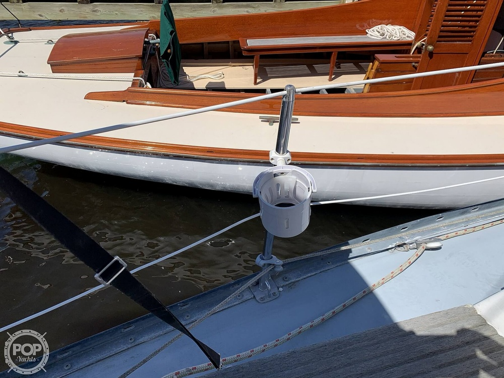 1982 Hunter boat for sale, model of the boat is 33 & Image # 37 of 40