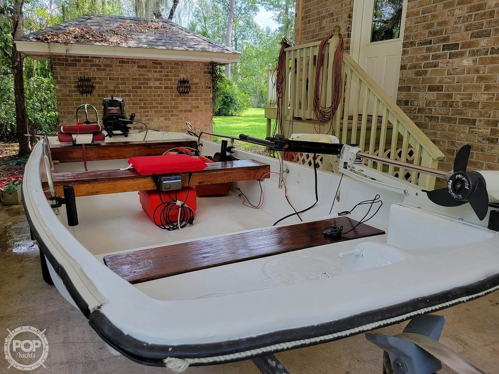 1967 Boston Whaler boat for sale, model of the boat is 13 & Image # 33 of 40