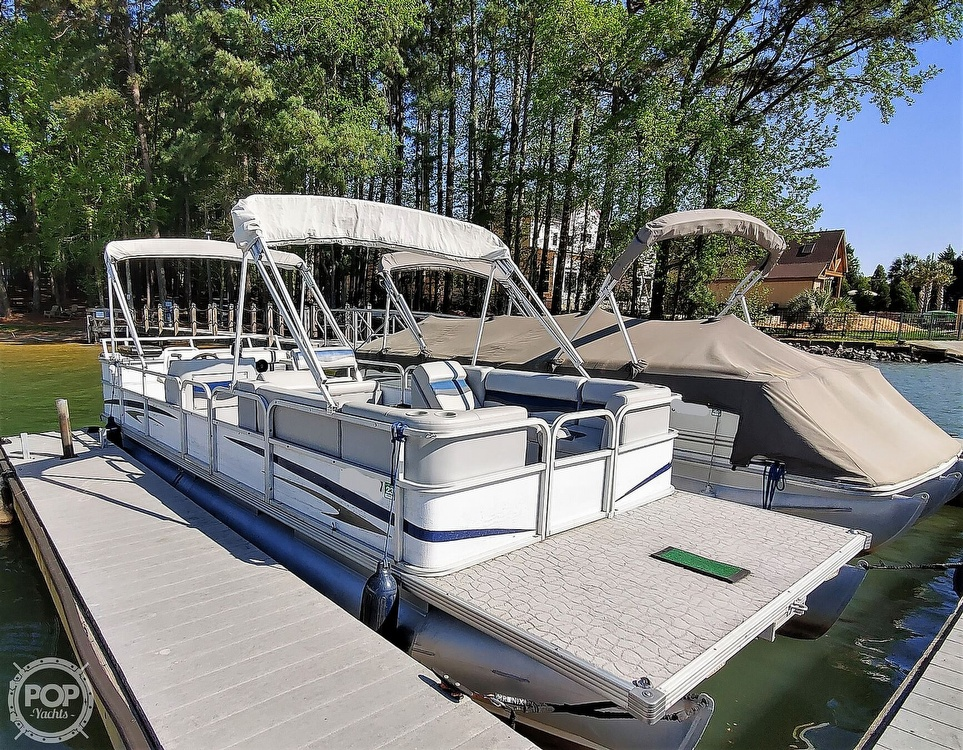 1995 Crest boat for sale, model of the boat is 25 Pontoon & Image # 19 of 40