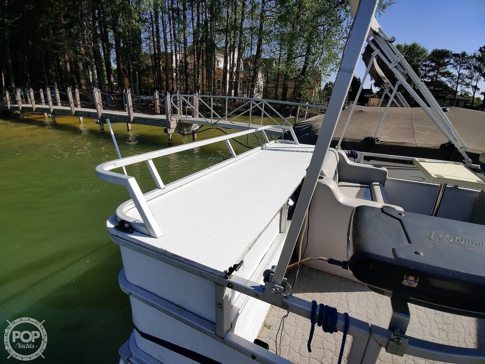 1995 Crest boat for sale, model of the boat is 25 Pontoon & Image # 6 of 40