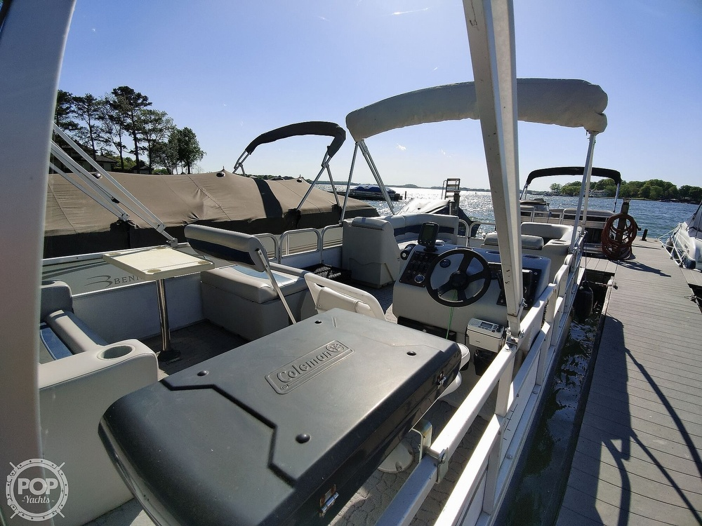 1995 Crest boat for sale, model of the boat is 25 Pontoon & Image # 7 of 40
