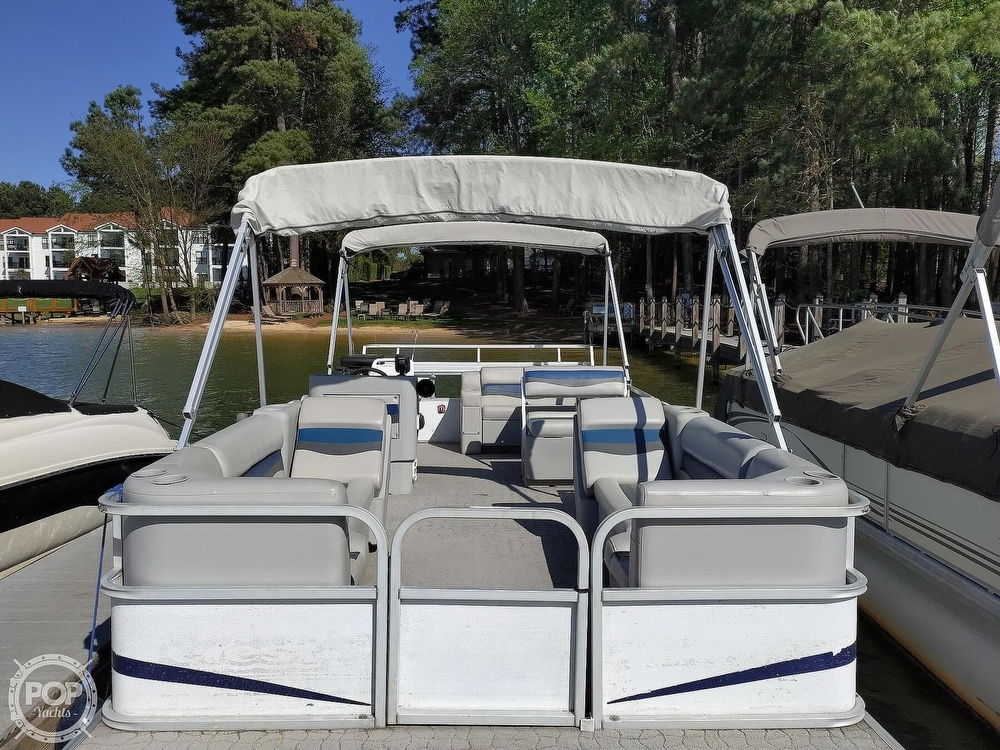 1995 Crest boat for sale, model of the boat is 25 Pontoon & Image # 12 of 40