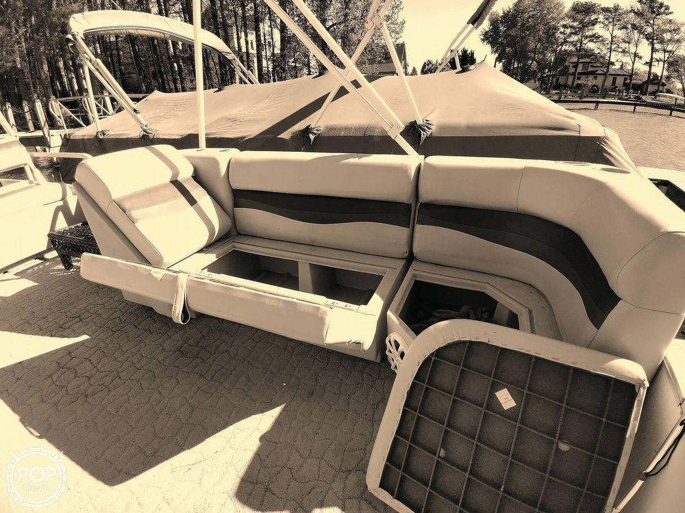 1995 Crest boat for sale, model of the boat is 25 Pontoon & Image # 28 of 40