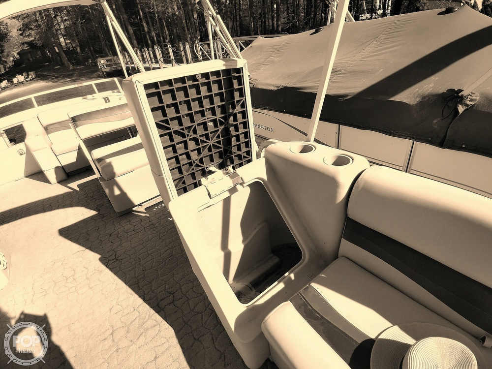 1995 Crest boat for sale, model of the boat is 25 Pontoon & Image # 36 of 40