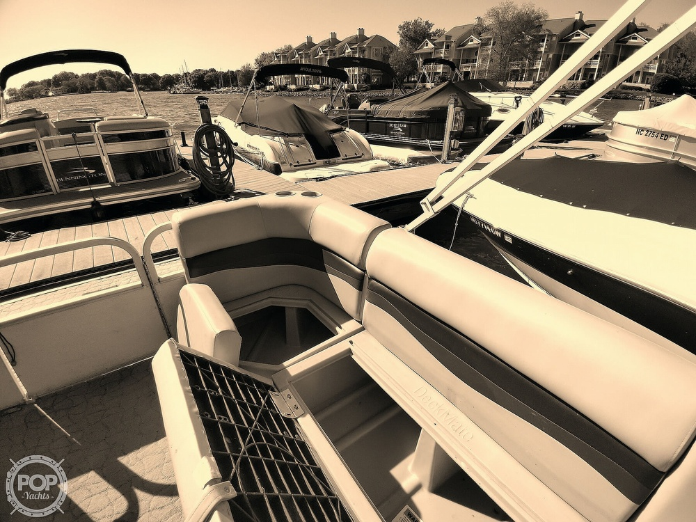 1995 Crest boat for sale, model of the boat is 25 Pontoon & Image # 38 of 40