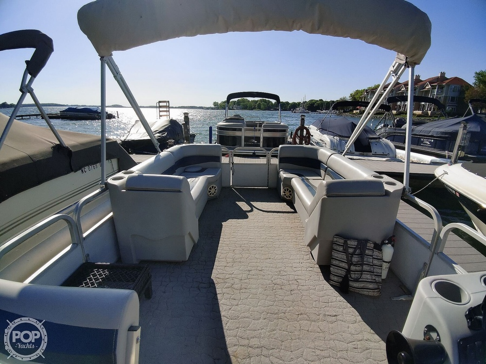 1995 Crest boat for sale, model of the boat is 25 Pontoon & Image # 40 of 40