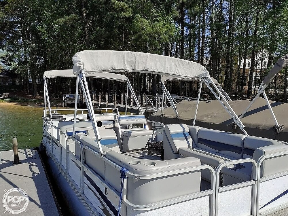 1995 Crest boat for sale, model of the boat is 25 Pontoon & Image # 13 of 40