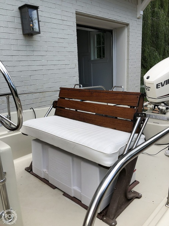 1985 Boston Whaler boat for sale, model of the boat is Montauk 17 & Image # 2 of 17
