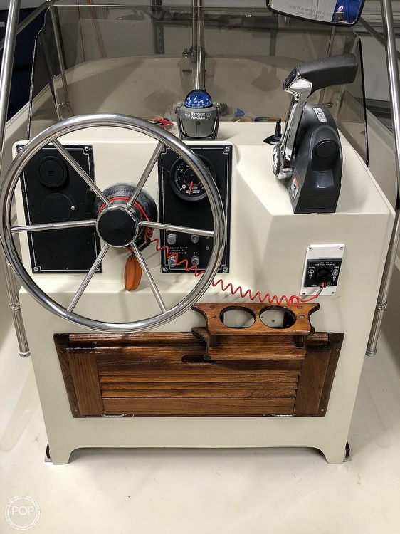 1985 Boston Whaler boat for sale, model of the boat is Montauk 17 & Image # 5 of 17