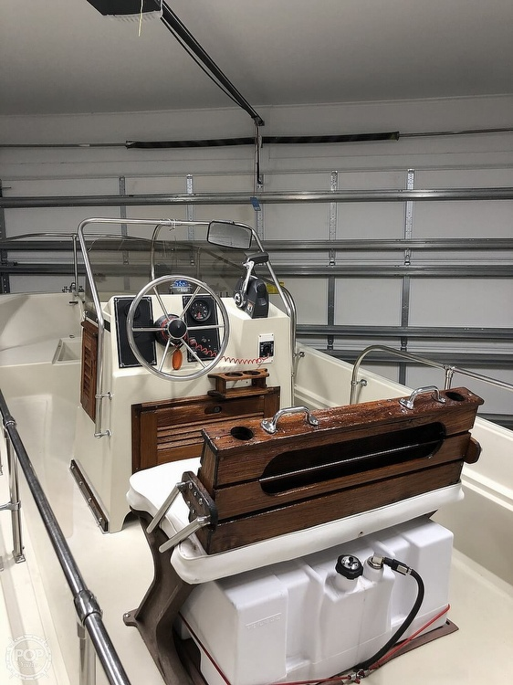 1985 Boston Whaler boat for sale, model of the boat is Montauk 17 & Image # 6 of 17