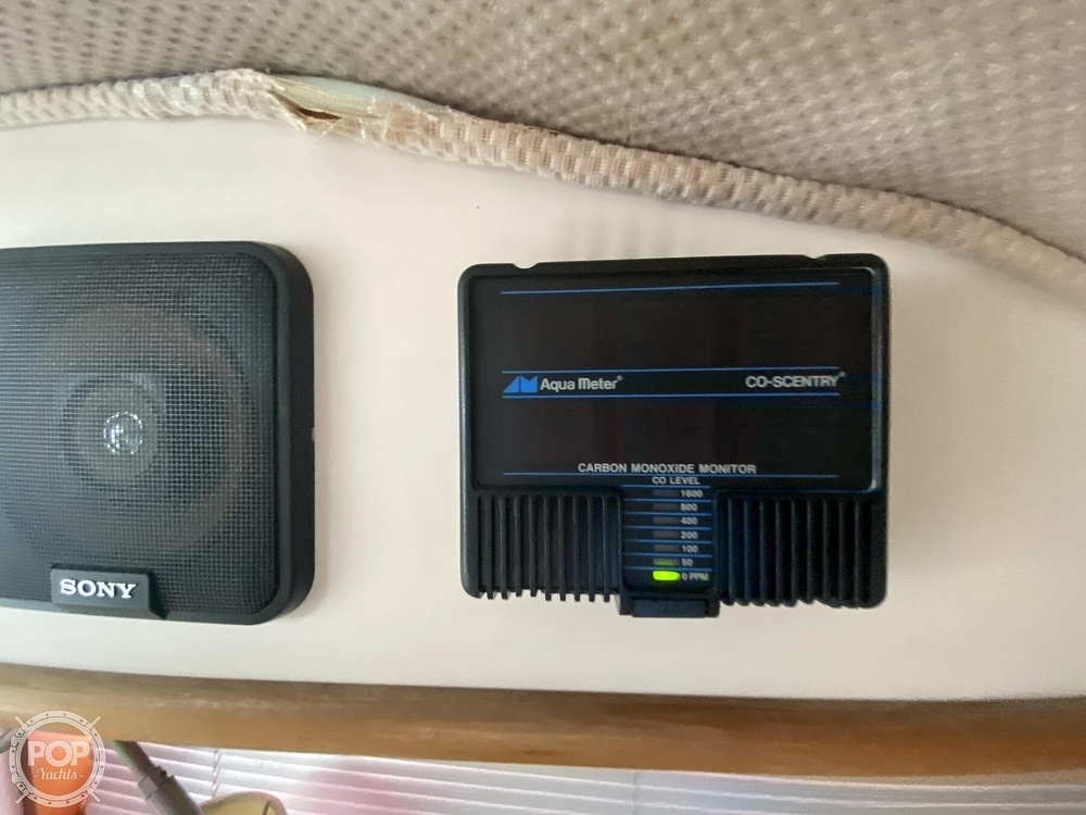 1988 Sea Ray boat for sale, model of the boat is 340 Express Cruiser & Image # 39 of 40