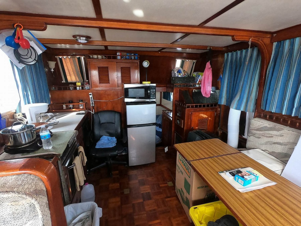 1979 Marine Trader boat for sale, model of the boat is 38 & Image # 32 of 40