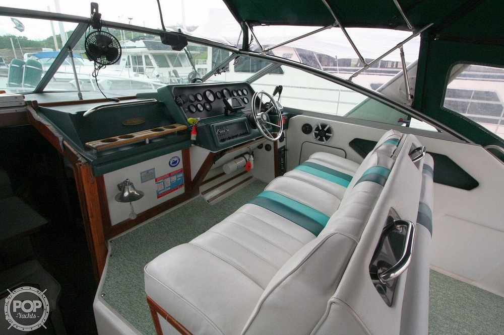1989 Sea Ray boat for sale, model of the boat is 300 Sundancer & Image # 6 of 40