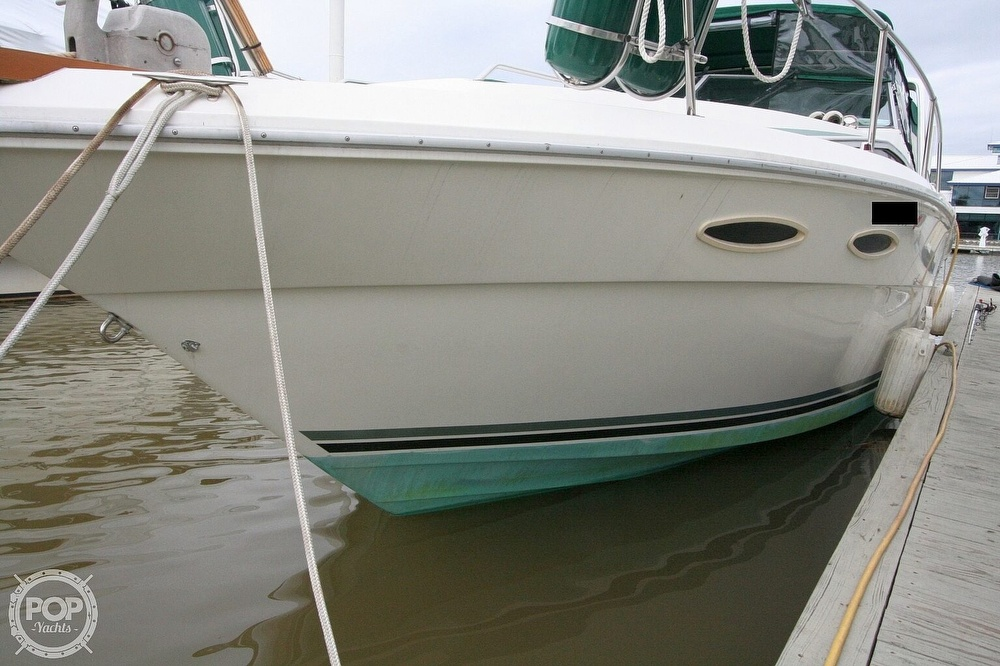 1989 Sea Ray boat for sale, model of the boat is 300 Sundancer & Image # 16 of 40