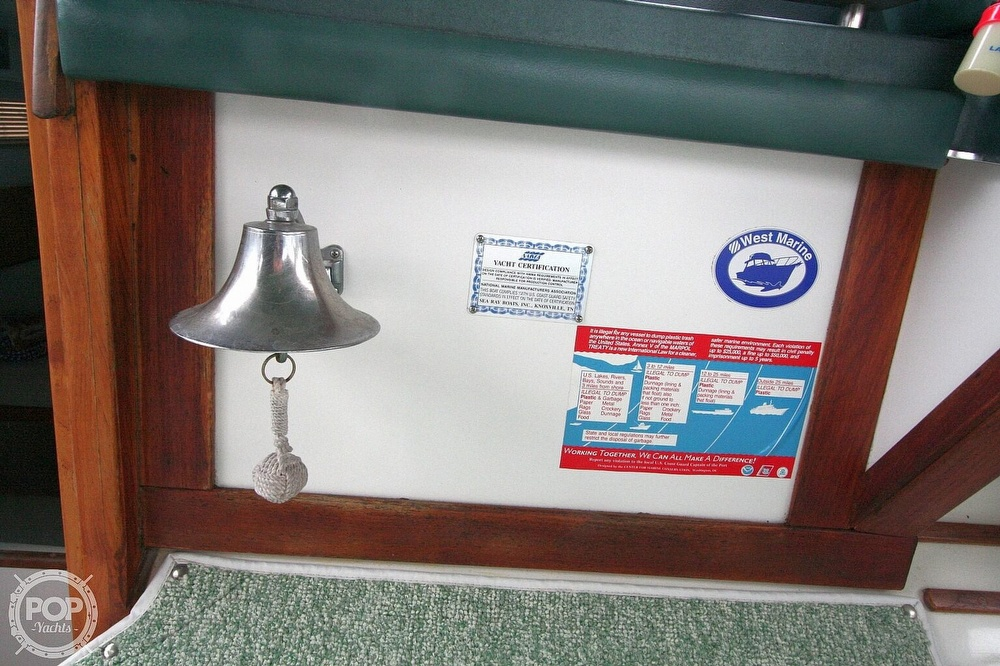 1989 Sea Ray boat for sale, model of the boat is 300 Sundancer & Image # 27 of 40