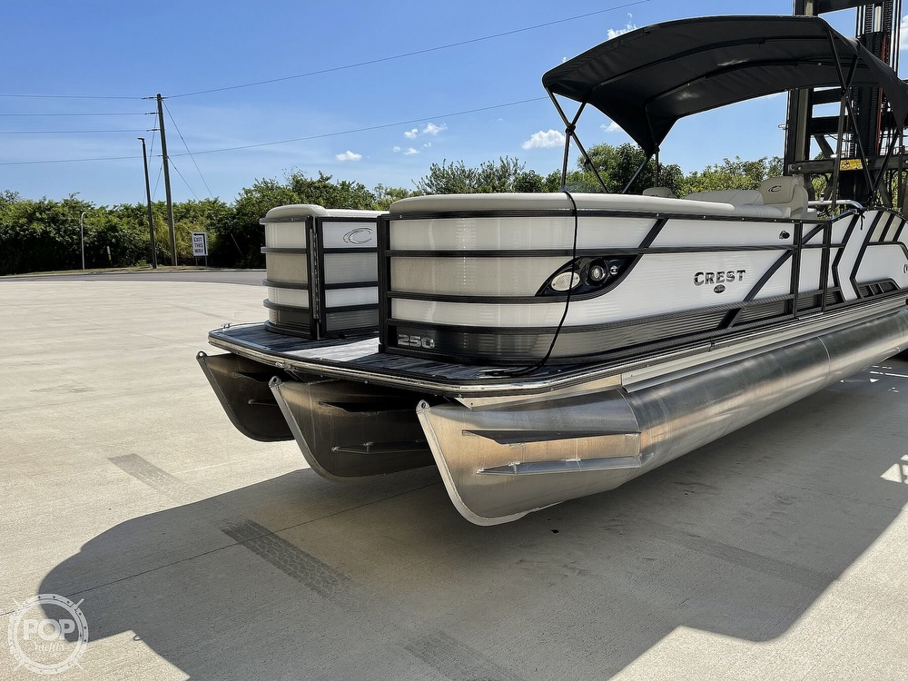 2021 Crest boat for sale, model of the boat is 250SLS LX & Image # 15 of 40