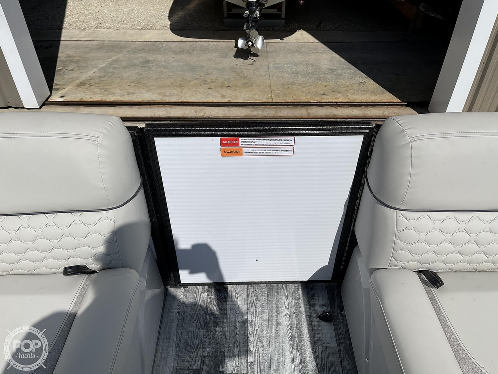 2021 Crest boat for sale, model of the boat is 250SLS LX & Image # 25 of 40