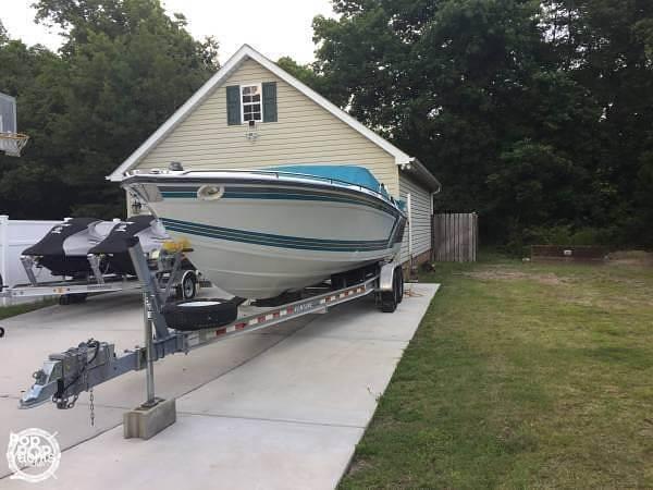 1989 Formula boat for sale, model of the boat is 272 SR1 & Image # 4 of 40