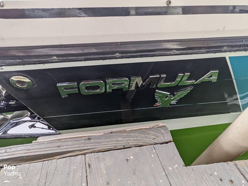 1989 Formula boat for sale, model of the boat is 272 SR1 & Image # 2 of 40