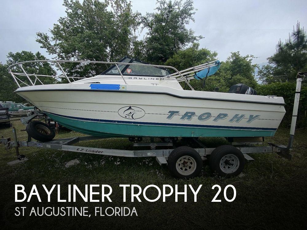 1997 Bayliner boat for sale, model of the boat is Trophy 20 & Image # 1 of 40