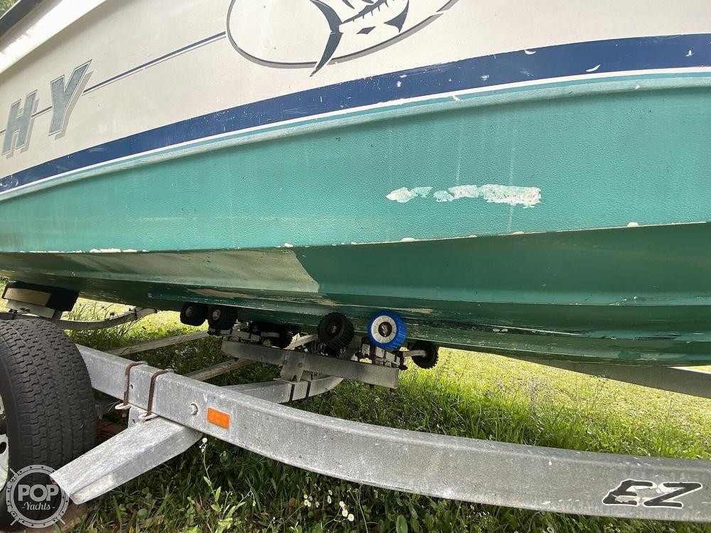 1997 Bayliner boat for sale, model of the boat is Trophy 20 & Image # 17 of 40
