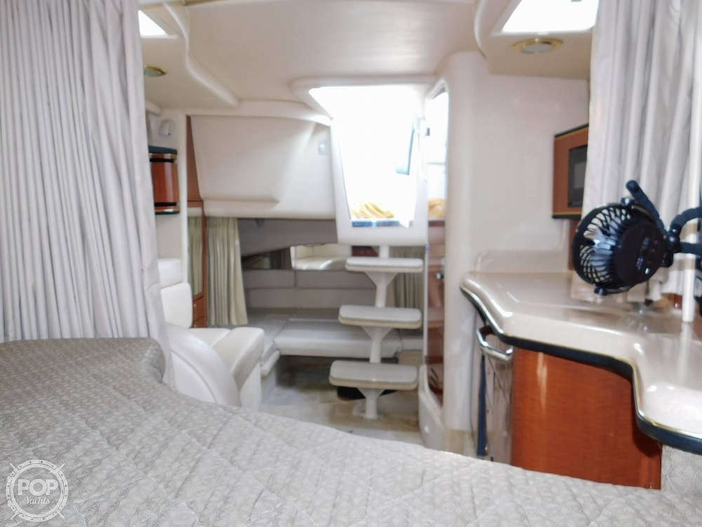2001 Sea Ray boat for sale, model of the boat is 300 Sundancer & Image # 33 of 40