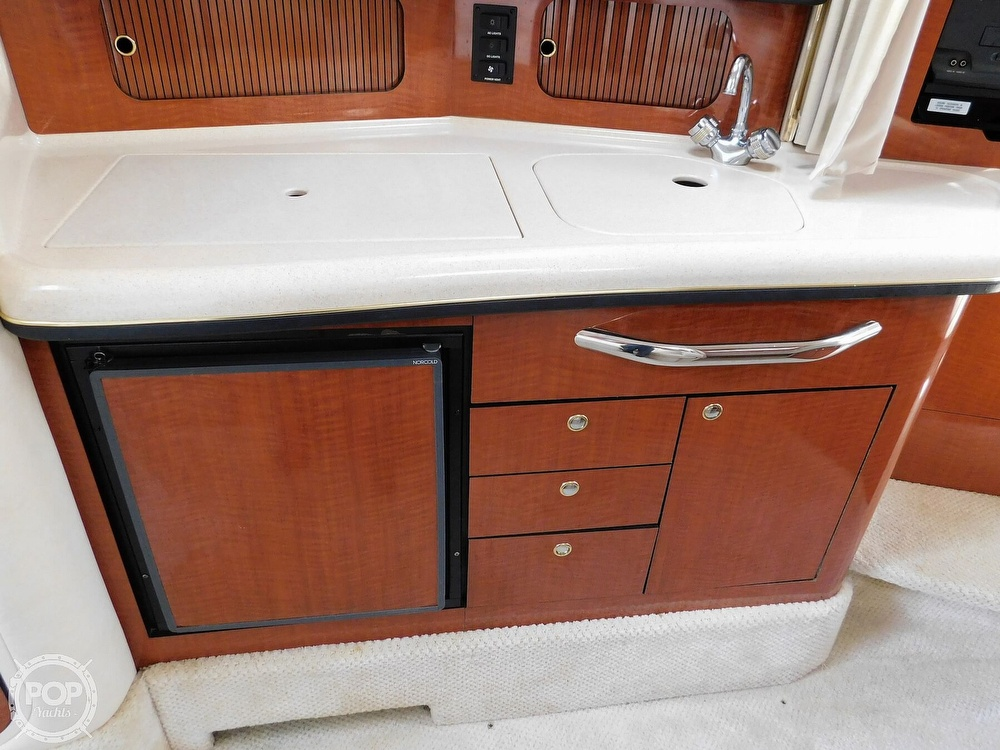 2001 Sea Ray boat for sale, model of the boat is 300 Sundancer & Image # 39 of 40