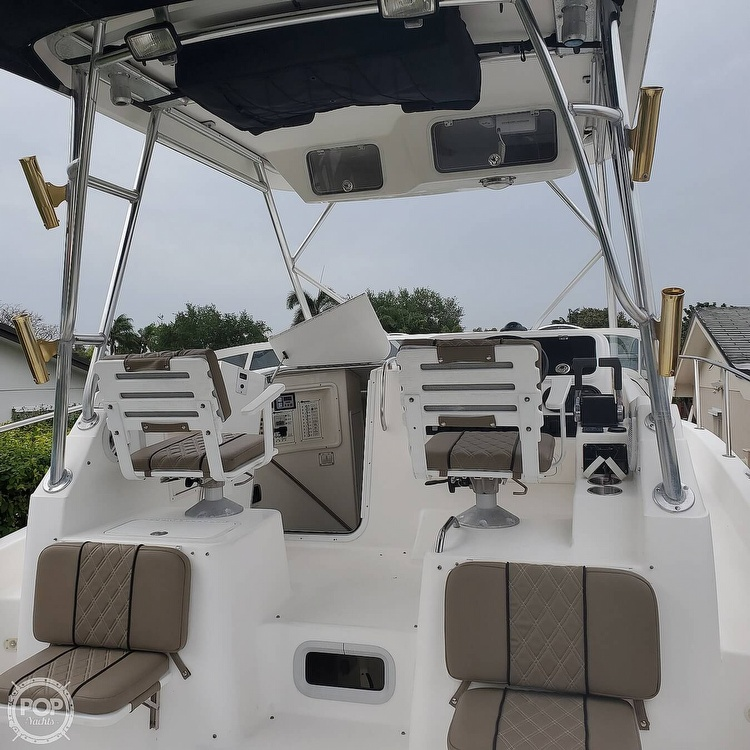 2002 Century boat for sale, model of the boat is 3200 Walkaround & Image # 10 of 40