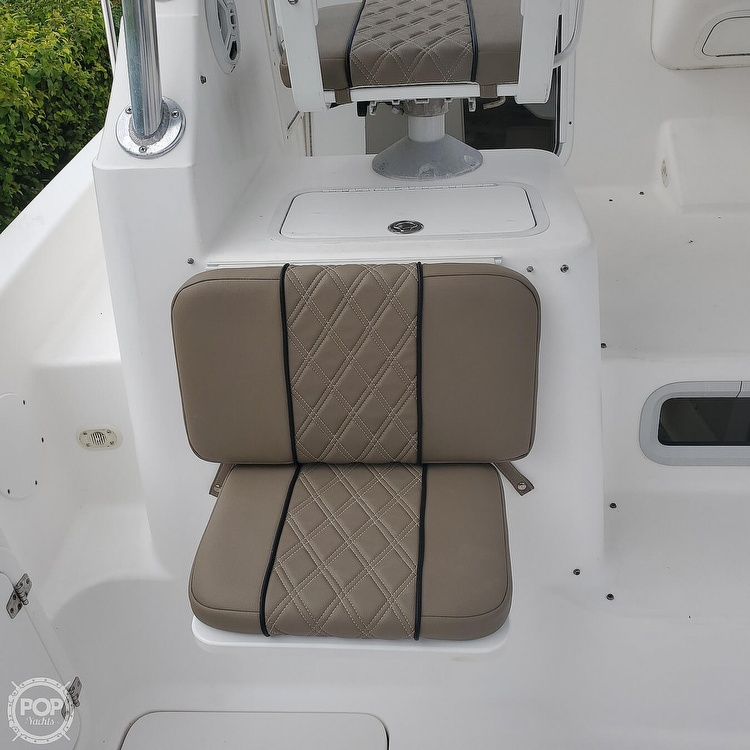 2002 Century boat for sale, model of the boat is 3200 Walkaround & Image # 13 of 40